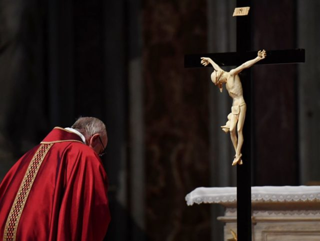 VATICAN-POPE-MASS-GOOD FRIDAY